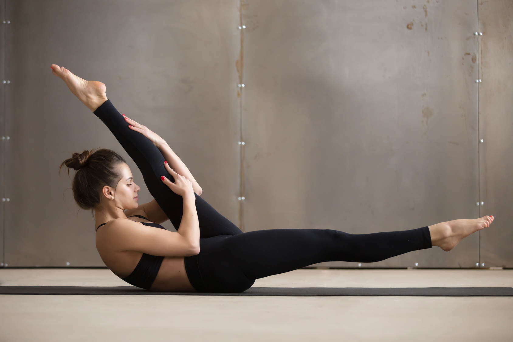 Pilates Mattentraining für Einsteiger mit Eva