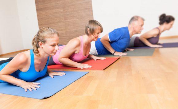 Sanftes Pilates für Einsteiger, Ältere sowie Teilnehmer mit körperlichen Einschränkungen KURSSTART 13. Mai / 10 Einheiten